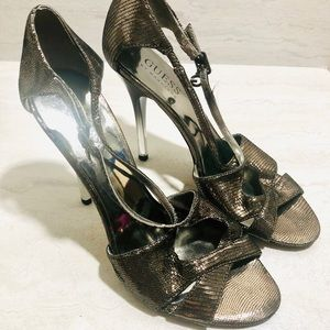 Guess Graffiva stiletto pumps Gold Size 5M